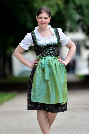 English: Dirndl with cording and green apron D...