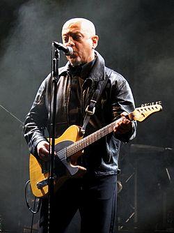 Enrico Ruggeri in concerto nel 2010