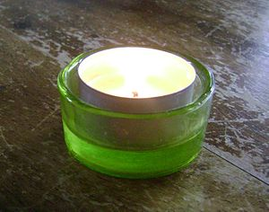English: Glass candle light holder