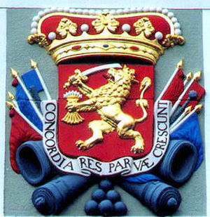 English: Arms of the