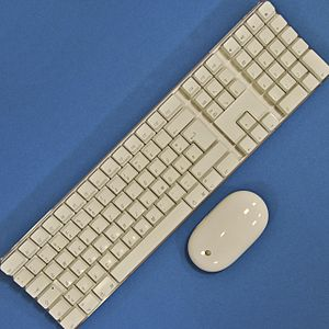 Wireless mouse and keyboard (Apple), connected...