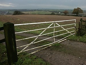 English: Gate and fields, Selston. Looking nor...