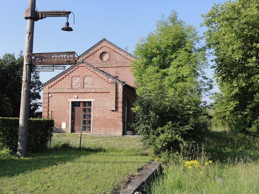 Solre-le-Château (Nord, Fr) l'ancienne gare.JPG