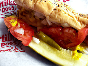 English: Chicago-style hot dog at Portillo's
