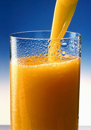 English: A glass of Orange juice.