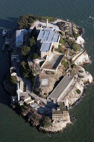 Plik:Alcatraz aerial.jpg