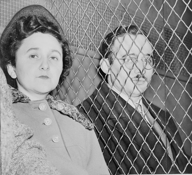 https://i2.wp.com/upload.wikimedia.org/wikipedia/commons/thumb/6/68/Julius_and_Ethel_Rosenberg_NYWTS.jpg/659px-Julius_and_Ethel_Rosenberg_NYWTS.jpg