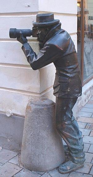 Paparazzi statue in Bratislava