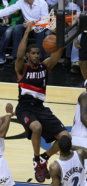 LaMarcus Aldridge playing with the Portland Tr...