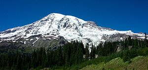 English: A photo of Mount Rainier taken from P...