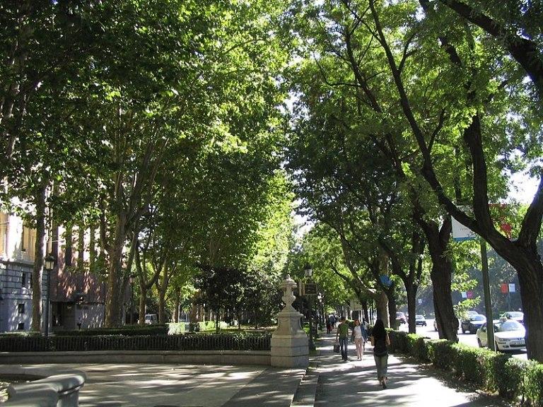 File:Paseo del Prado (Madrid) 02.jpg