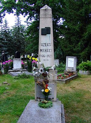 Fazekas Mihály sírja a debreceni köztemetőben....