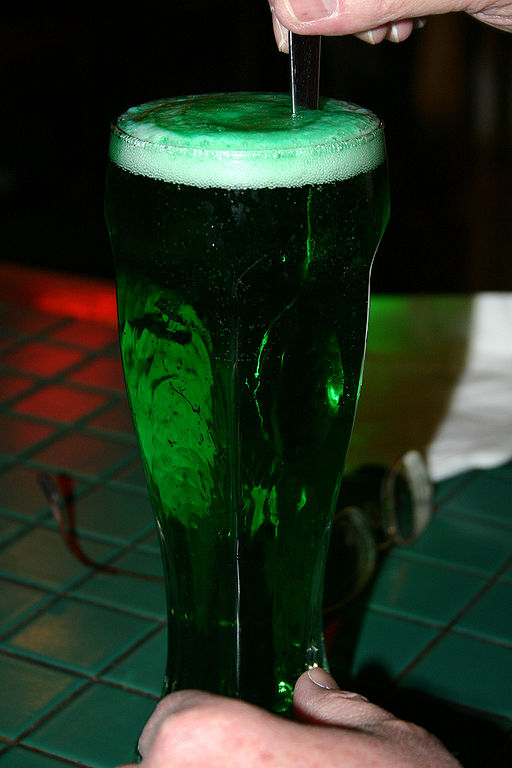 https://i2.wp.com/upload.wikimedia.org/wikipedia/commons/thumb/6/6a/Green_Beer.jpg/512px-Green_Beer.jpg