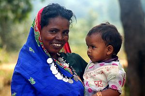 English: Adivasi woman and child, Chhattisgarh...