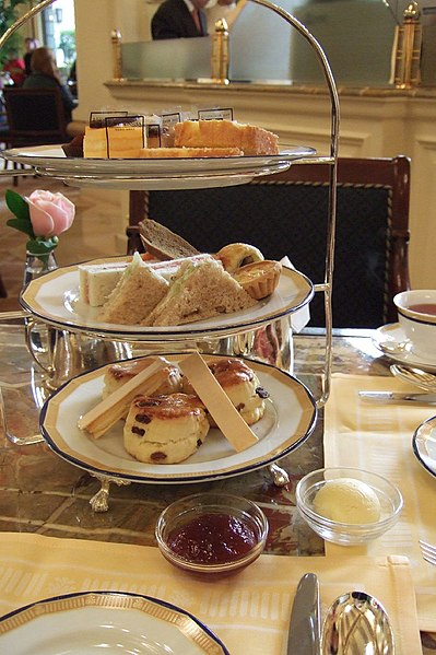 File:High tea at the Peninsula.jpg