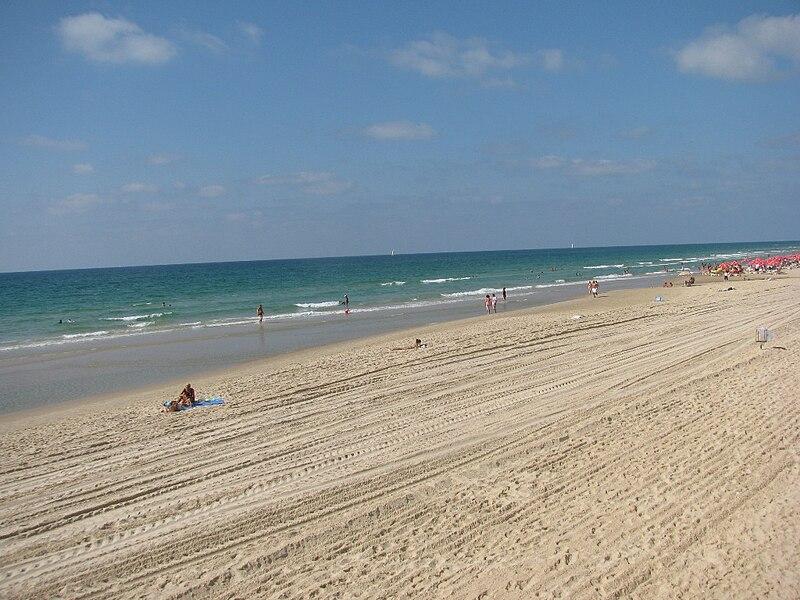File:PikiWiki Israel 5316 Hasharon Beach Herzliya.JPG