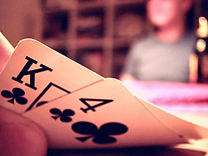 Picture of hole cards in a game of texas hold 'em