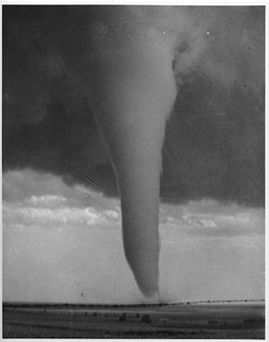 English: Tornado picture, June 2, 1929, Hardtn...