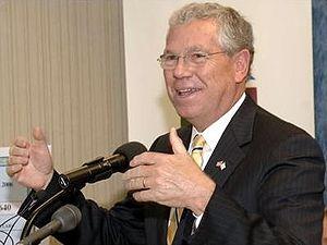 {{w|Donald Carcieri}}, Governor of Rhode Island