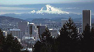 The skyline of Portland, Oregon with Mount Hoo...