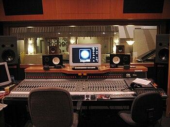 English: Studio A control room at SugarHill Re...