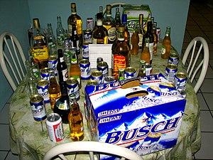 Español: Diferentes bebidas alcohólicas. Se pu...