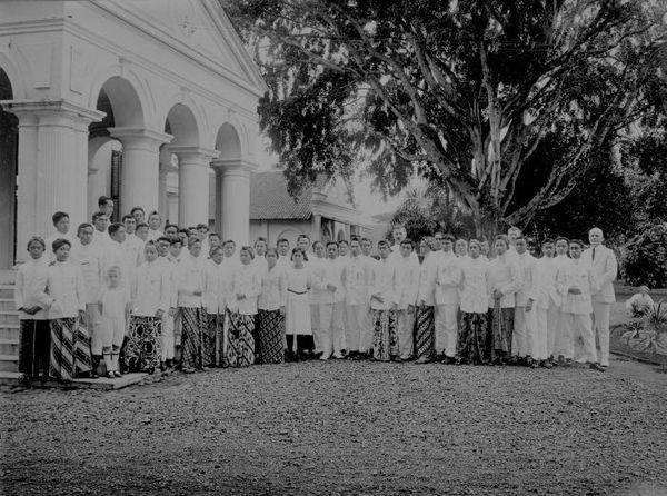 Image result for Kweek-school Onder-bouw (Sekolah Guru Bagian Pertama) BANDOENGA