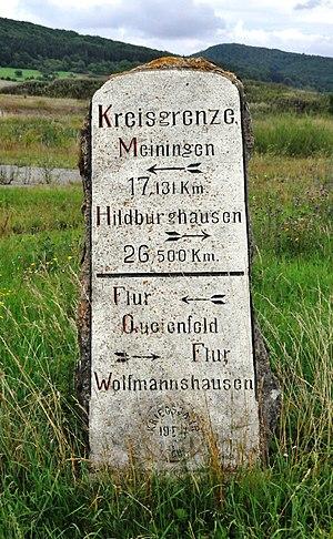 Deutsch: Grenzstein zwischen den Kreisen Meini...