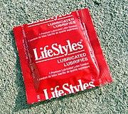 Preservativo em sua embalagem t�pica
