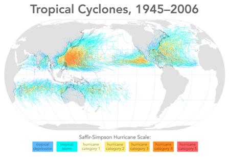 Distribusi badai di dunia dari tahun 1945 hingga 2006. Sumber: Tropical cyclones 1945 2006 wikicolor - Wikimedia CC-BY-SA-3.0