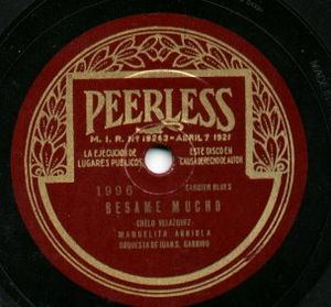 English: Early Peerless Records label.