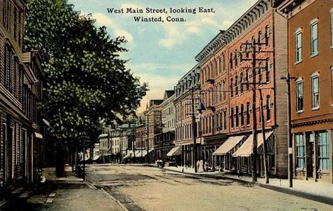 English: West Main Street, looking east, Winst...