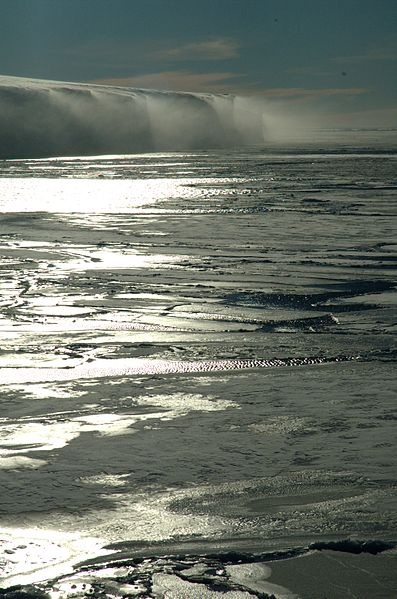 https://i2.wp.com/upload.wikimedia.org/wikipedia/commons/thumb/7/71/Sea_ice_by_fruchtzwerg%27s_world.jpg/397px-Sea_ice_by_fruchtzwerg%27s_world.jpg?w=640