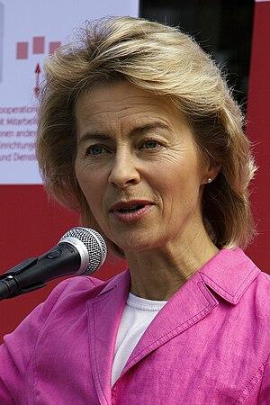 Deutsch: Bundesministerin für Familie, Seniore...