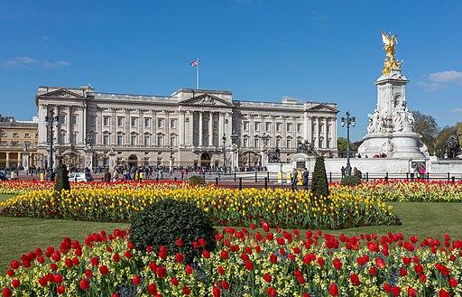 Buckingham Palace from gardens, London, UK - Diliff
