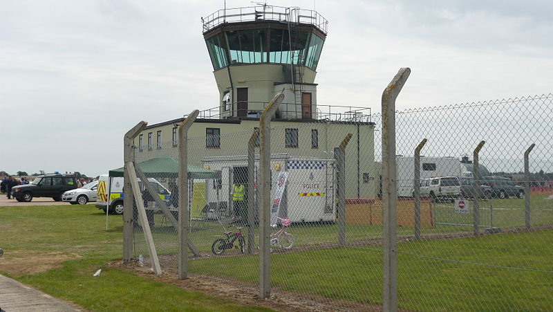 File:Former RAF Bentwaters ATC control tower ).JPG