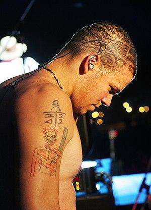 Calle 13 singer- segundos antes de volver a sa...