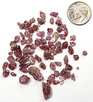 English: Fragments of Rhodolite Garnet crystal...