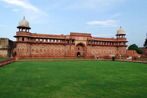 File:Agra Fort 13.JPG