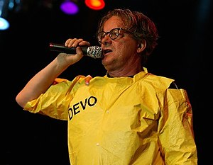 English: Mark Mothersbaugh. Français : Mark Mo...