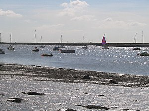 English: River Crouch. View from footpath East...