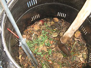Composting in the Escuela Barreales.