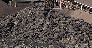 English: Brown coal from Chukurovo mine, Bulga...