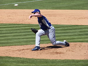 Los Angeles Dodgers pitcher Randy Wolf pitchin...