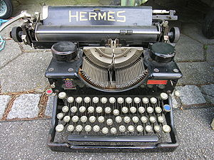 "English: Typewriter ""Hermes"" Deutsch..."