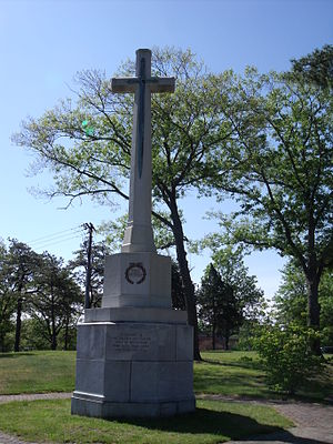 English: Cross Of Sacrifice located in Weymout...