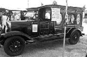 Carro fúnebre que transportou o corpo de Santos Dumont, no Guarujá-SP.