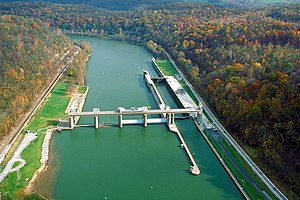 English: Opekiska Lock and Dam on the Monongah...