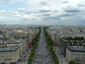 Champs-Elysees-InSummer