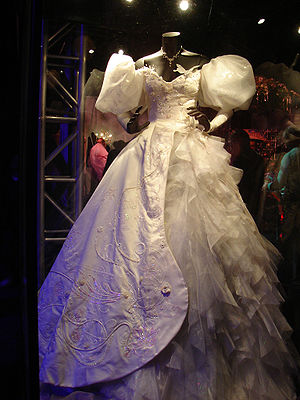 English: Photograph of the wedding dress that ...